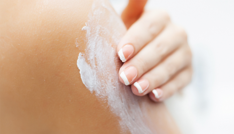 WHAT ARE SUNSCREENS AND WHY SHOULD I USE SUNSCREEN?
