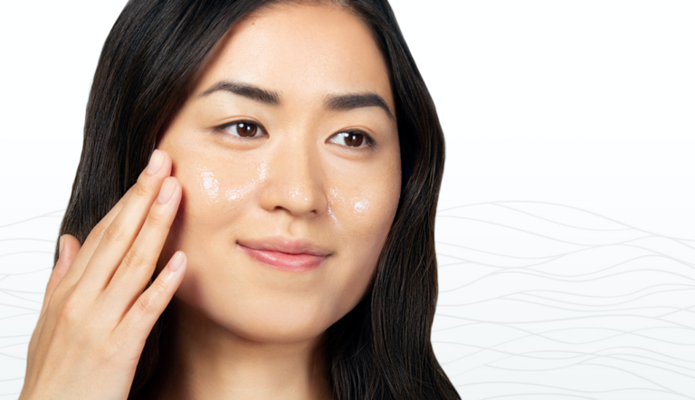 Read more about the article HOW TO GET GLOWING SKIN