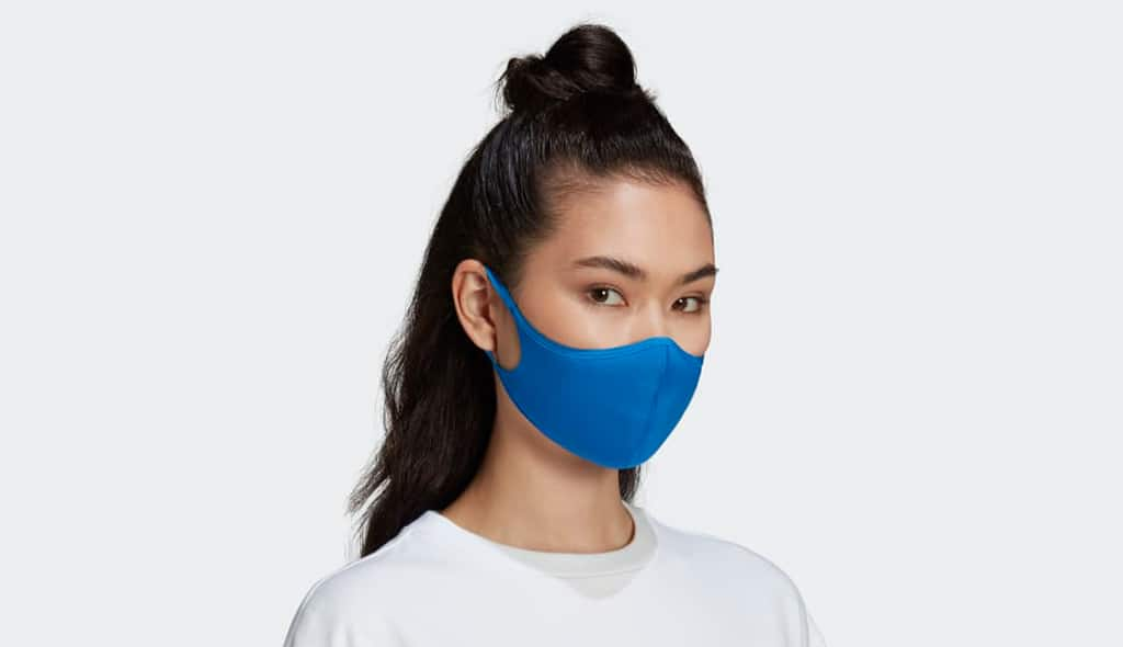 Read more about the article FACE OFF: HOW TO CARE FOR YOUR SKIN WHILE WEARING A FACE MASK